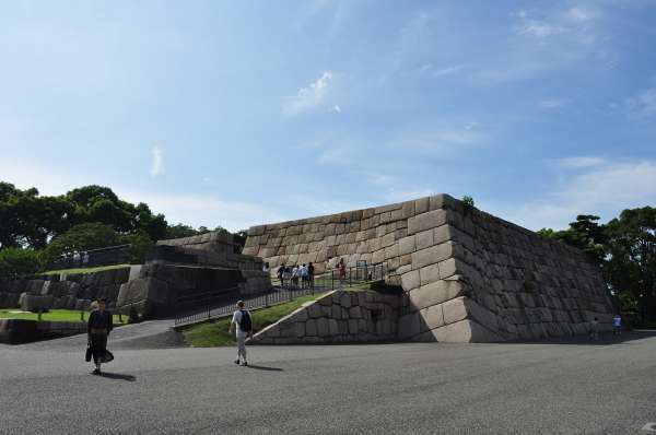 7. Base of the main tower (Donjon) where you can enjoy the nice view of the garden as well as the modern buildings of Tokyo surrounding the palace.