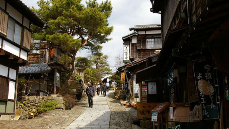 The next post town, Magome-juku consists of many shops, restaurants museums and inns.