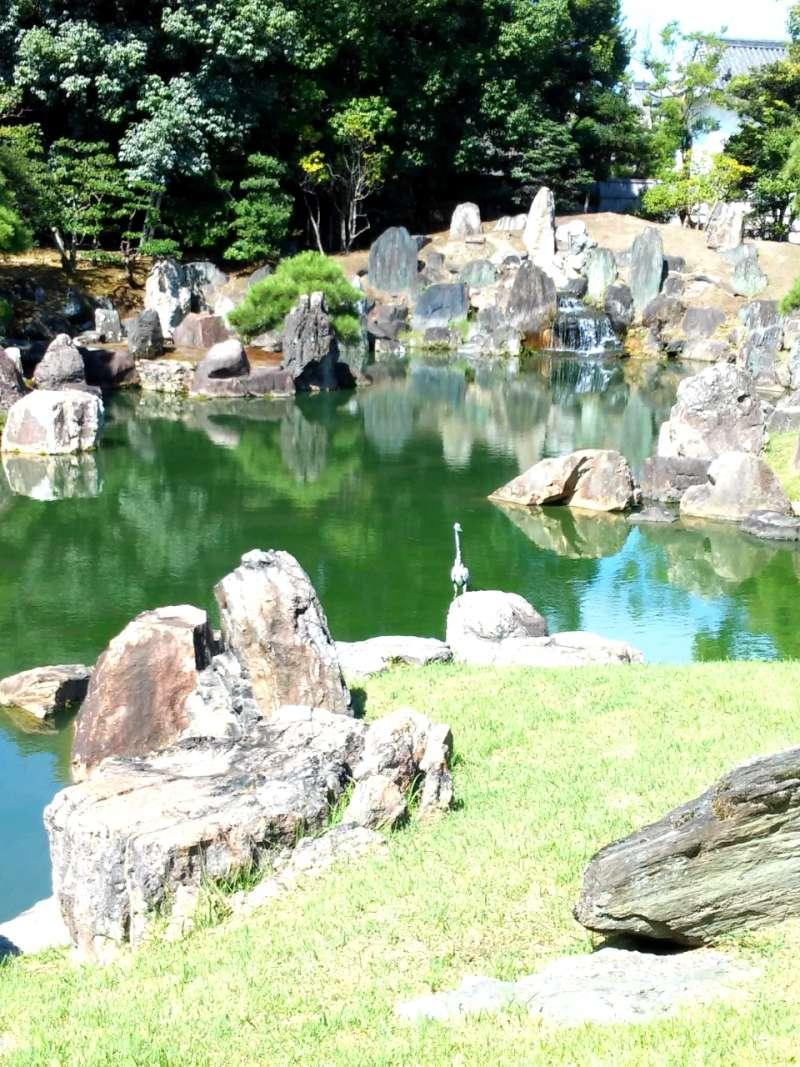 THE NINOMARU-GARDEN OF THE NIJO CASTLE