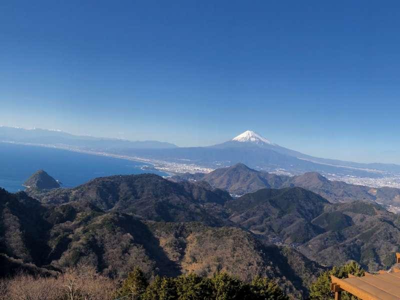 The spectacular panoramic view of Mt. Fuji and Suruga Bay at Sky Garden!