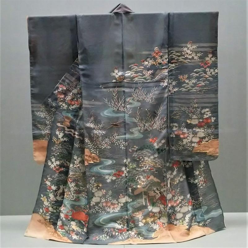 Seasonal Kimono on display_TNM