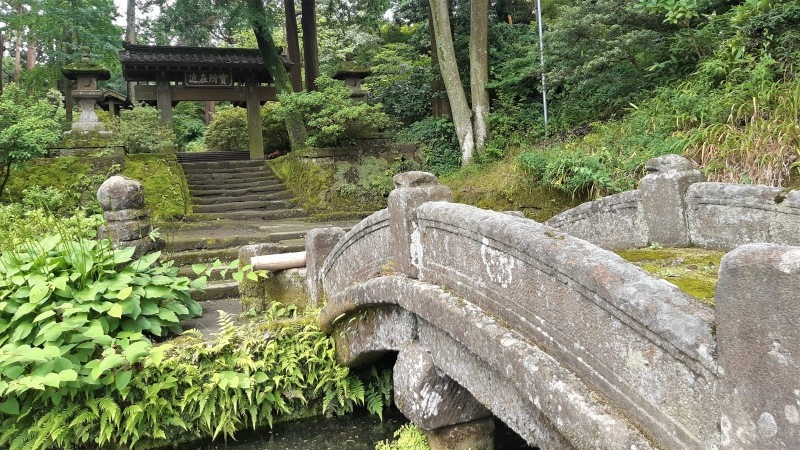 Ancient Zen Buddhist temple leading to hiking route