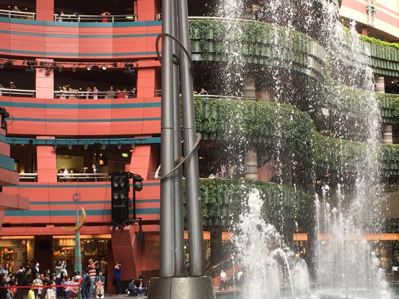Canal City Hakata ( Fukuoka's Prominent Shopping  Mall )