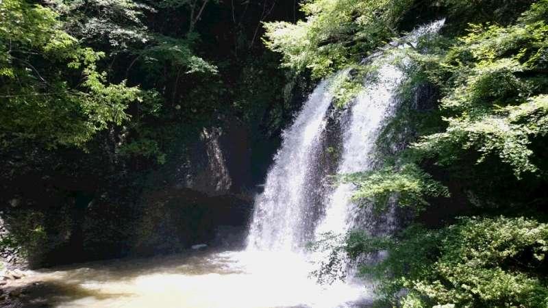 Tsukimachi Falls