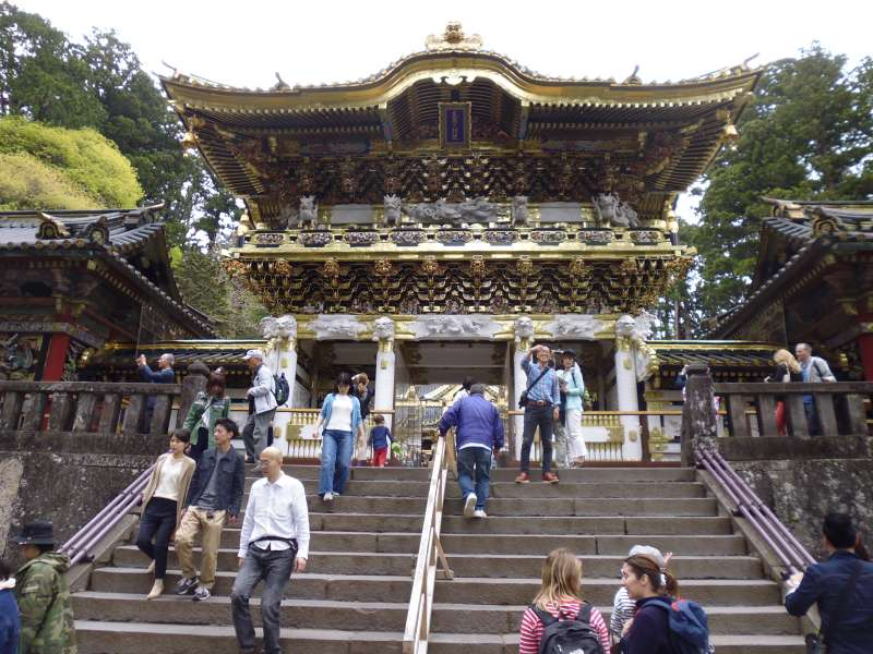 Yomeimon gate in Nikko Toshogu Shrine has more than 500 carvings. It is also called Higurashi no mon that means spending the whole day seeing the gate is never boring.