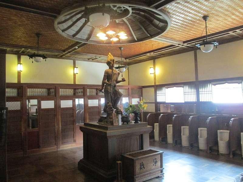 Tosu (toilet) enshrined Usumasa god