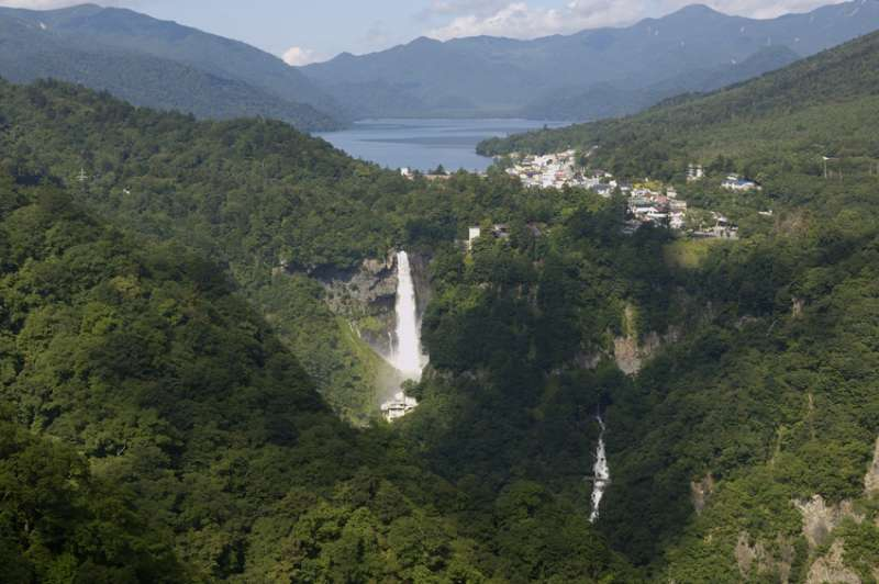 (Option) Combination view of Lake Chuzenji and Kegon Water Fall from Akechidaira