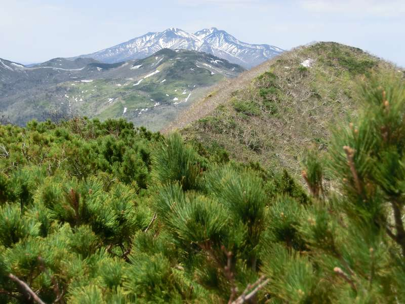 The view of Mt. Shari from the peak. Its blue and white color in June is so beautiful.