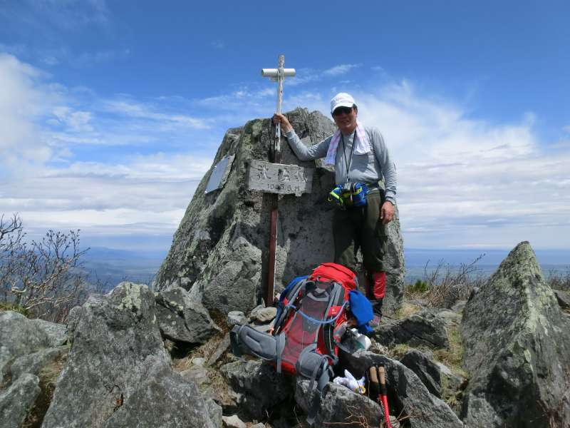 The top of Mt. Musa, where we can enjoy magnificent views of Mt. Shari ( one of the 100 best mountains in Japan ).