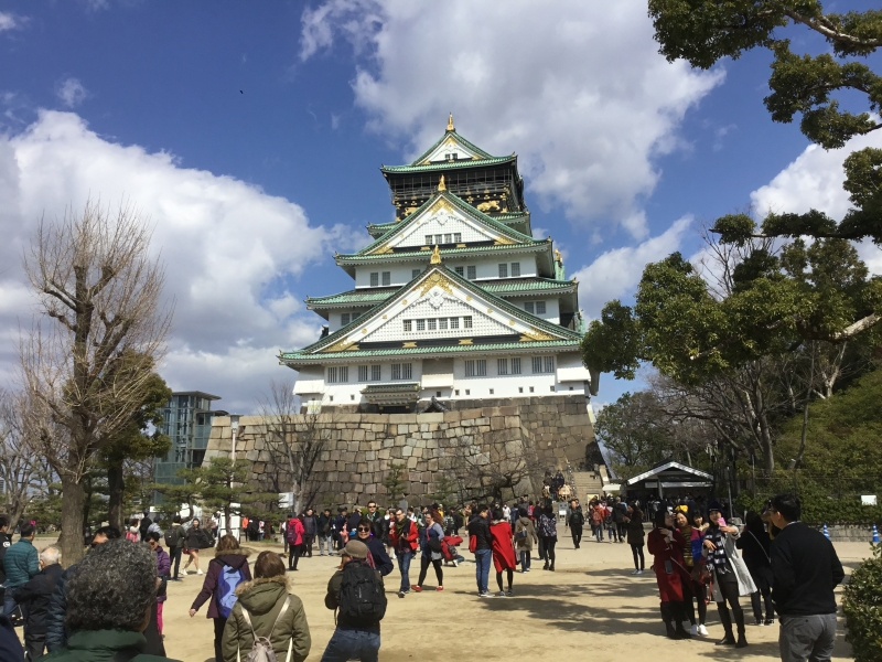 Osaka Castle was built by Toyotomi Hideyoshi in 1585.