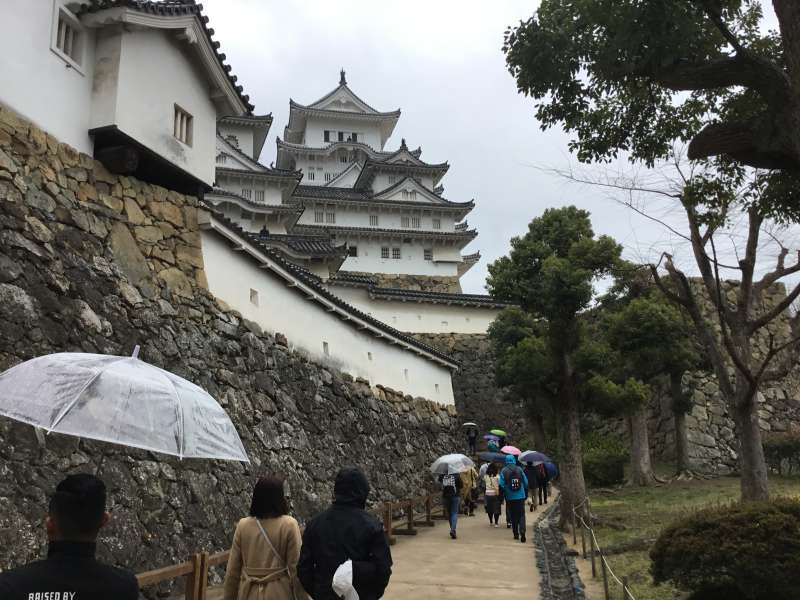 The path going toward main enclosure and the castle tower.