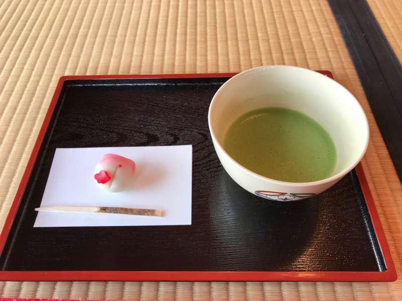Matcha green tea and a Japanese sweet