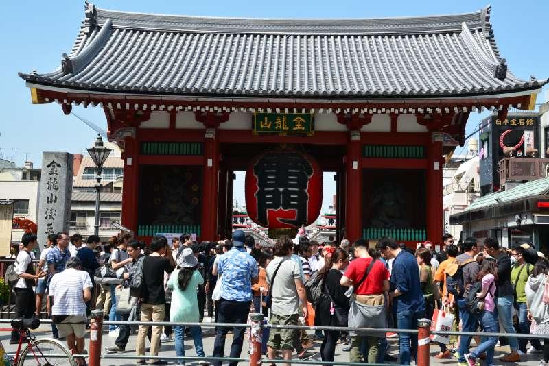 Kaminari-mon, Main gate of Sensoji temple in Asakusa.