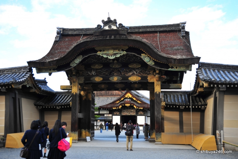 This is the entrance to the Ninomaru palace in Nijo castle.