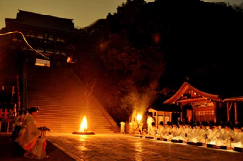 Stairsteps to the main pavilion of Tsurugaoka-hachimangu