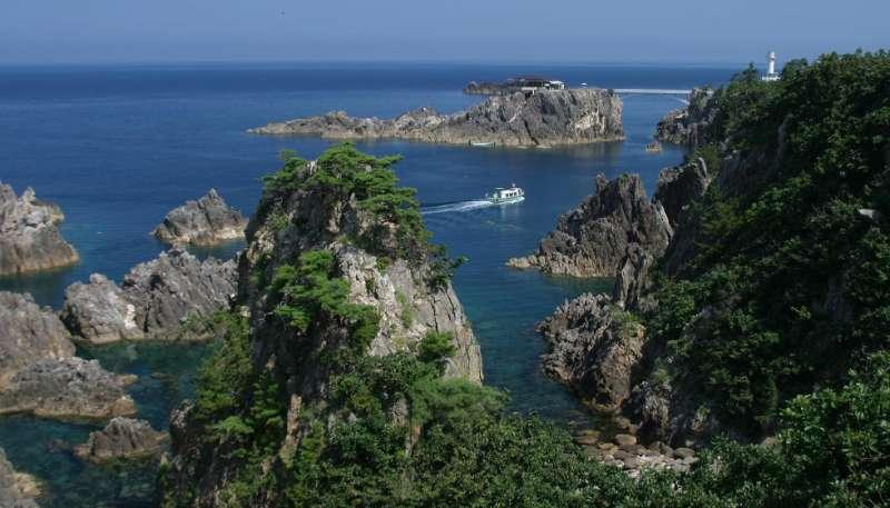Senkaku bay : best scenic spot with a series of steep cliffs