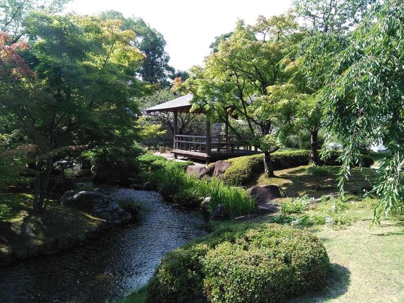 Koko-en is composed of nine different gardens just next to Himeji Castle.