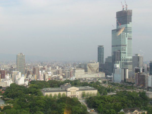 The observatory with a height of 50 meters above the ground commands a panoramic view of Osaka city.  The building on the right side is under construction 2 years ago.  It is Abeno Harukas with a height of 300 meters, the tallest buiding in Japan  which was just open to the public on March 7 2014.