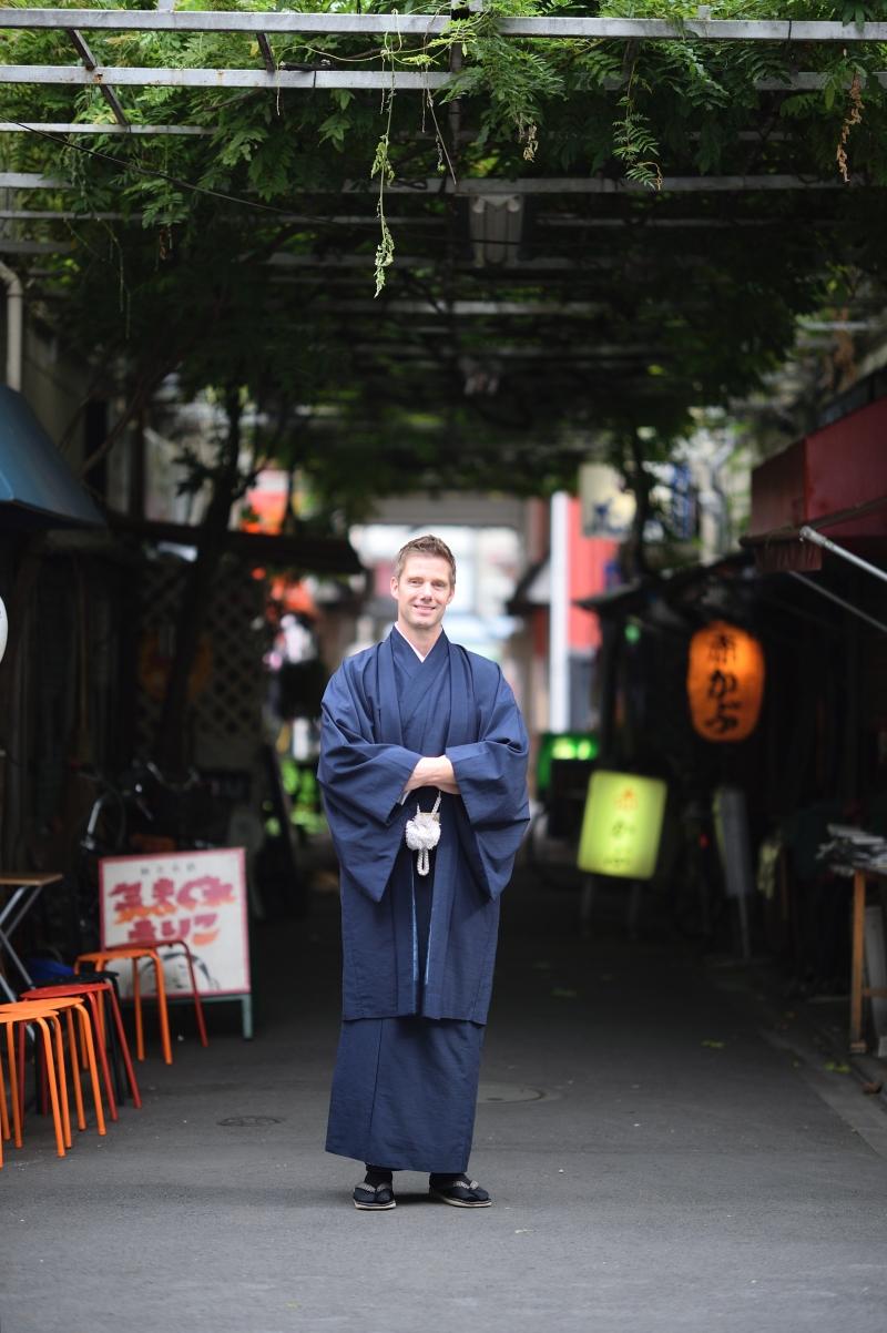 Asakusa photograph spot tour guided by a professinonal photographer