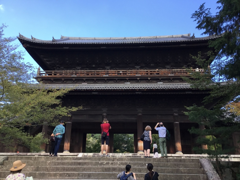 Sanmon(Main gate ) of Nanezenji : Built in 1628 by the ruling Tokugawa shogunate. Height : 22meters.