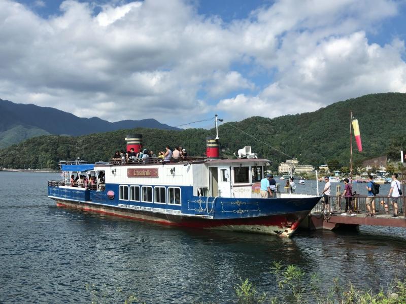 Cruising boat on Lake Kawaguchi