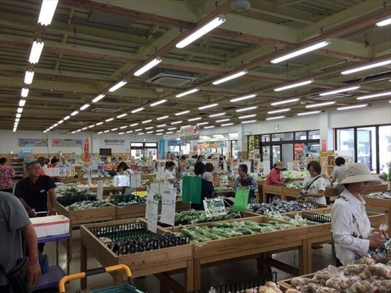 3.5H: Okinawa-cuisine cooking tour (Ishigaki-island)