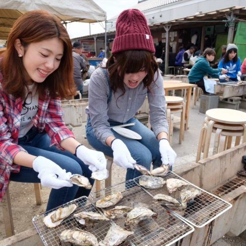 Oysters BBQ at local fish market