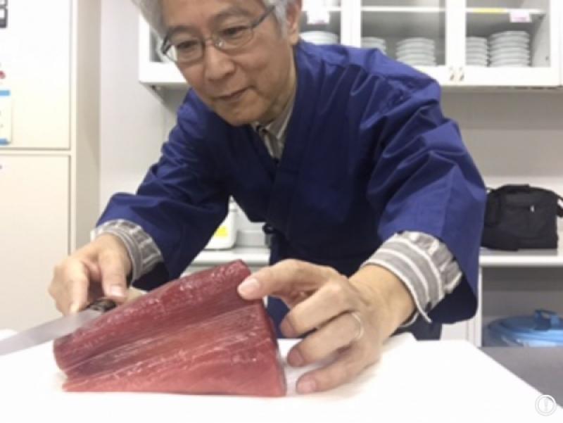 Handling of large tuna block, option