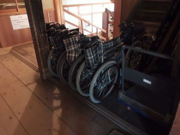 Wheelchairs can be available at Kongobuji Temple