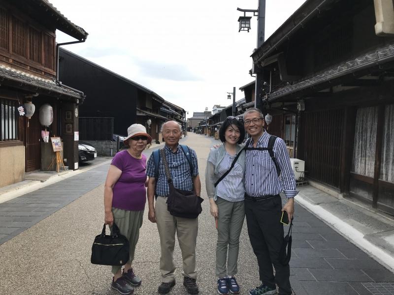 Kawara-mati is a photogenic traditional street-town