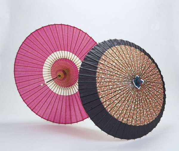 Handcrafted Japanese paper umbrellas and lanterns are good souvenirs.