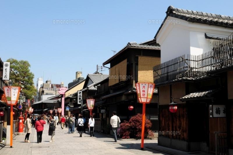 A mIn street called hanami kouji in Gion area