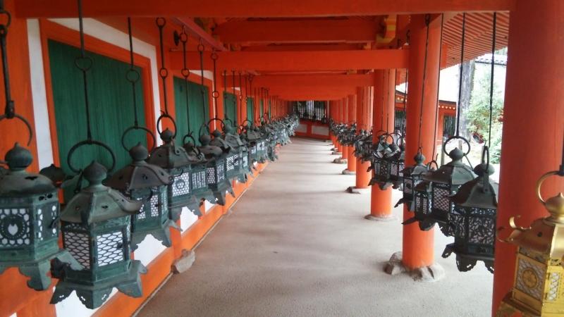 Kasuga Taisha Shrine : A thousand hanging bronze lanterns