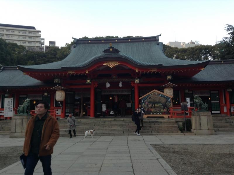 Ikuta shrine is an origin of Kobe and one of symbols of regenesis from Hanshin Awaji Earthquake.