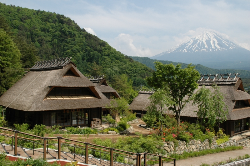 【Option】Saiko Yashi-no-sato NENBA is a folk village facility with the site of old style thatched roof houses and traditional craft shops.