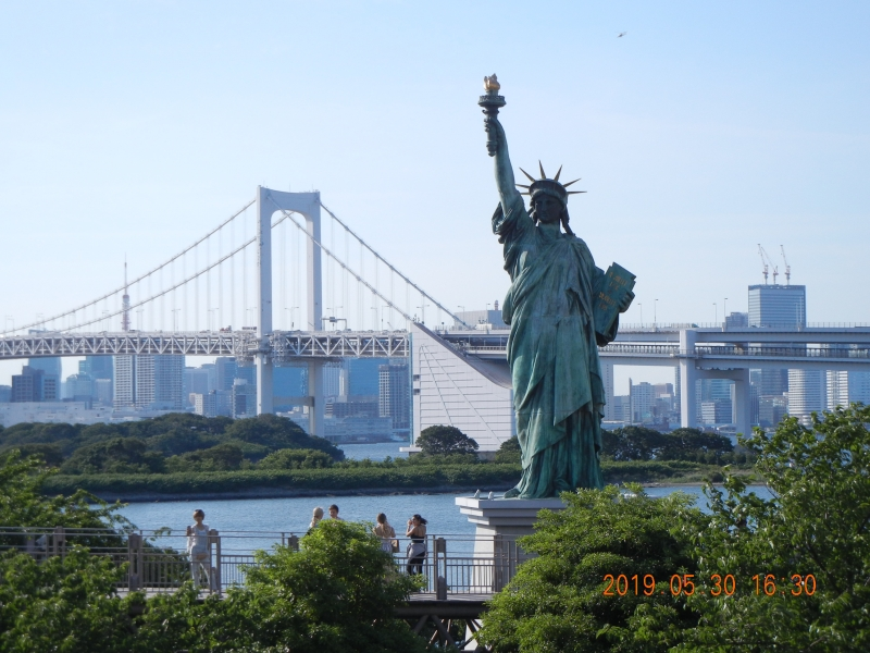 The Statue of Liberty  Viewing Tokyo Bay in Odaiba