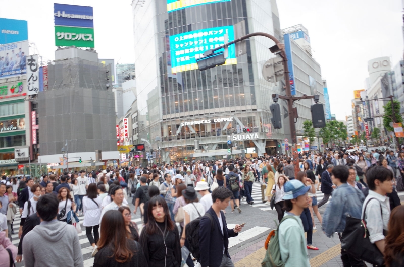 The famous Shibuya Scramble Crossing! Why not try becoming a part of the world's busiest crossing?