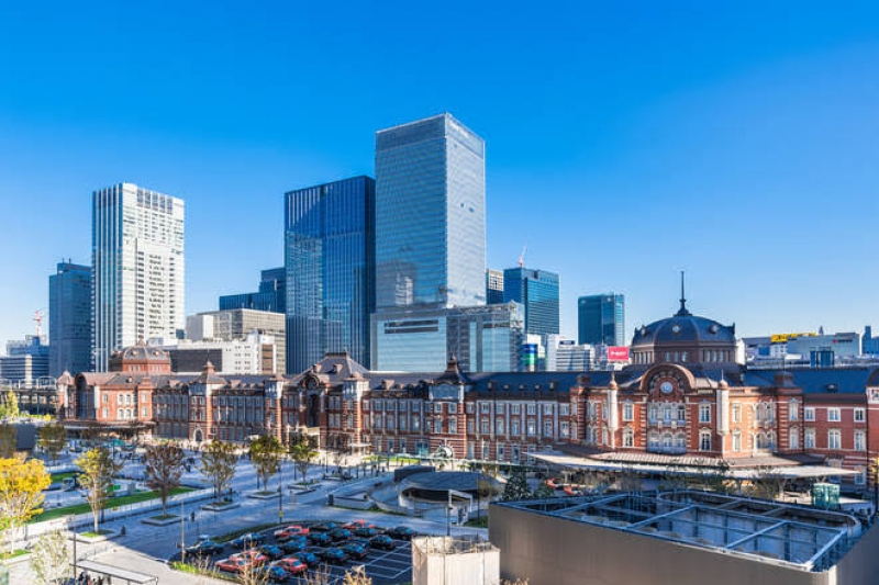 The renaissance shape of Tokyo center station building