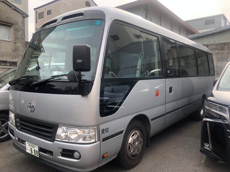 8 hour Osaka - Kyoto Tour with a private car (up to 18 persons)