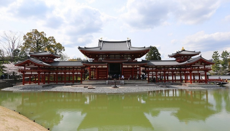 Byodoin Temple...A striking example of Buddhist Pure Land (Jodo) architecture together with its garden