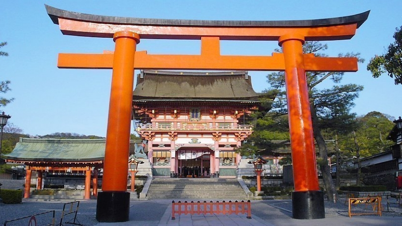 Fushimi Inari Shrine...Torii gate and two storey main gate