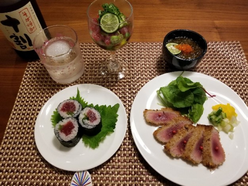 a set menu for Maguro(tuna)-lovers; Maguro appetizer, rolled shushi of Maguro, and Maguro Steak