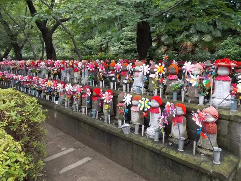 The mysterious Jizo Figures at Zojoji temple