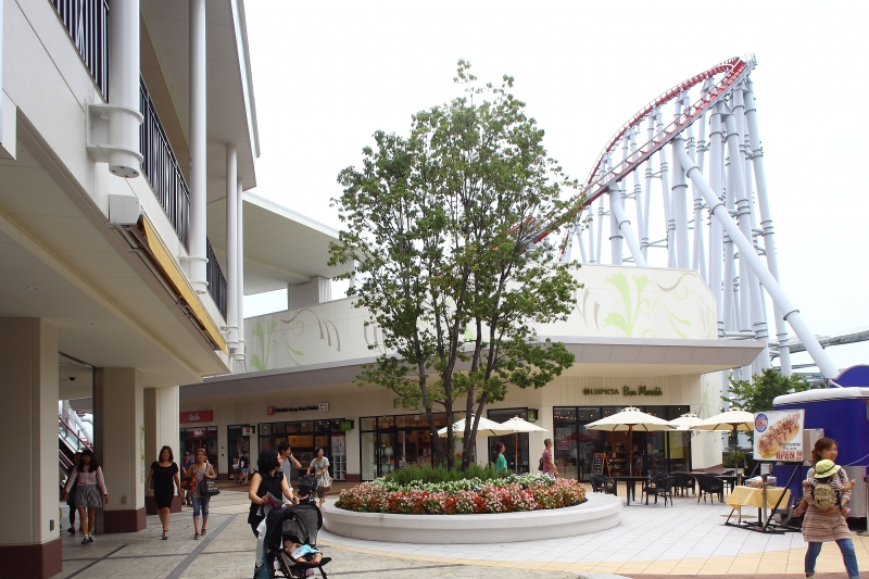 Outlet Mole Nagashima, The best place to buy Japanese outfits and souvenirs and try local cuisine!