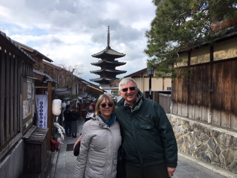 Lovely couple from the UK against the backdrop of Yasaka Pagoda, on the way to Ninenzaka-Sannenzaka alleys