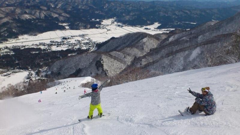 Ski/SnowBoard Private Tour with a driver