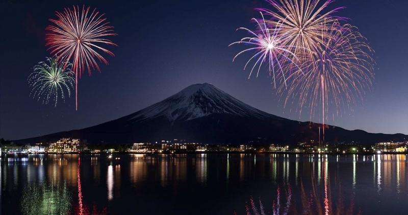 煙火富士山