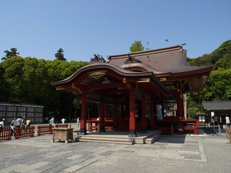 A sacred dancing hall in Tsurugaoka Hachimangu Shrine.  Sacred dances by shrine maidens are offered to Shinto deities here in seasonal festivals.