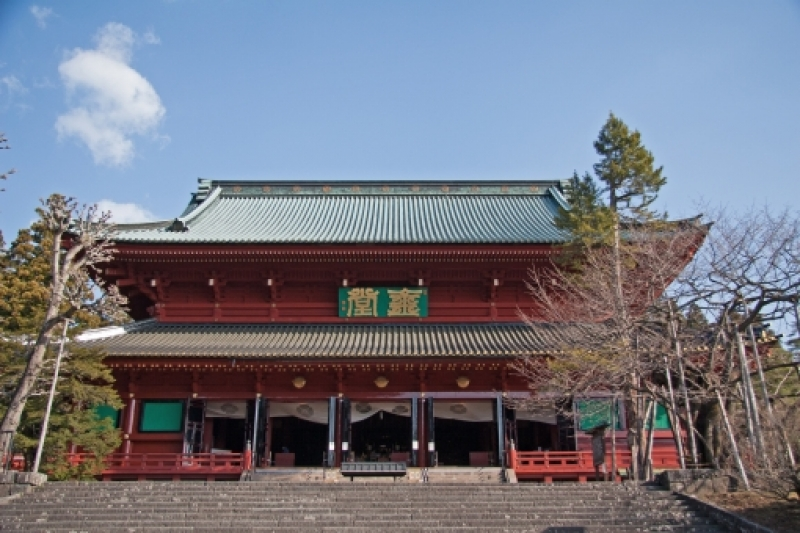 Main Hall of Rinnoji Temple : This large hall enshrines three big statues of Buddhist gods.  Its history dates back to the eighth century.