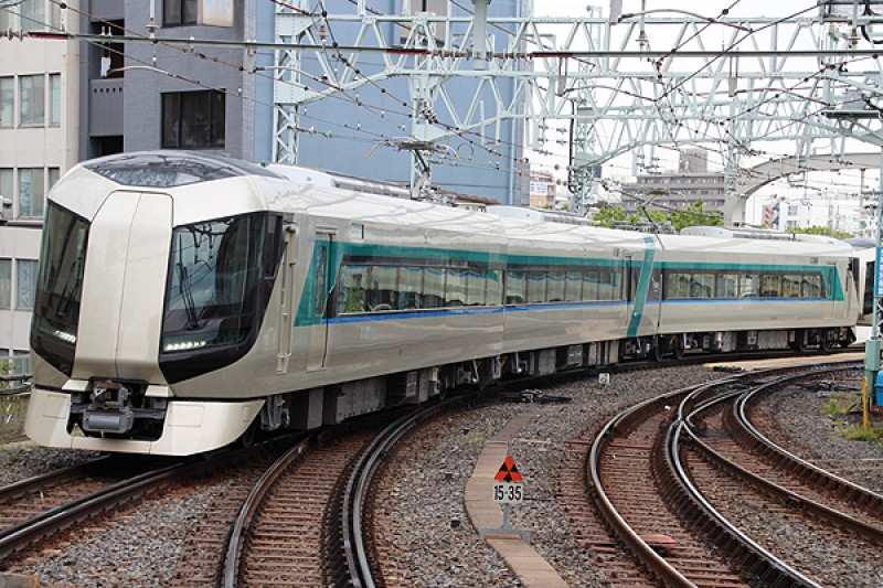 Tobu Railway's Limited Express : You can enjoy a comfortable travel by train to Nikko from Asakusa.